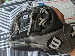 "Wilson 6-4-3 Pedroia Fit 11.25"" Baseball Glove RHT A12RB1517"