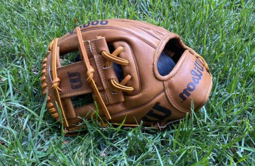 a2000 limited edition college world series baseball