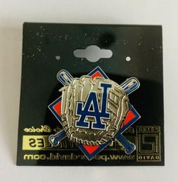 Los Angeles Dodgers Baseball  Bats And Glove Hat/Lapel  Pin